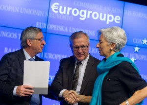 From left to right: Mr Jean-Claude Juncker, Luxembourg Prime Minister and President of Eurogroup; Mr Olli Rehn, Vice President of the European Commission; Ms. Christine Lagarde, Managing Director of the IMF.