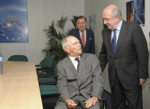 Joaquín Almunia, Vice President of the EC receives Wolfgang Schäuble, German Federal Minister for Finance (on the left). (EC Audiovisual Services)