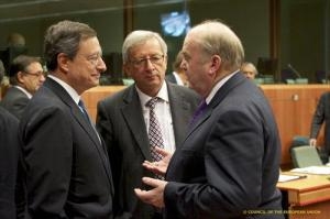 From left to right: Mr Mario DRAGHI, President of the European Central Bank; Mr Jean-Claude JUNCKER, Luxembourg Prime Minister; Mr Michael NOONAN, Irish Minister for Finance.