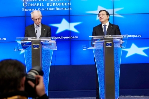 José Manuel Barroso, President of the EC, on the right and Herman van Rompuy, President of the European Council. Final Press Conference after the European Council Summit of 14.12.2012. (Photographic library of the Council of the European Union).