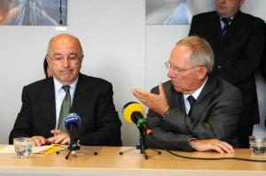 Visit of Wolfgang Schäuble, German Federal Minister for Finance (on the right), to the EC. (EC Audiovisual Services).