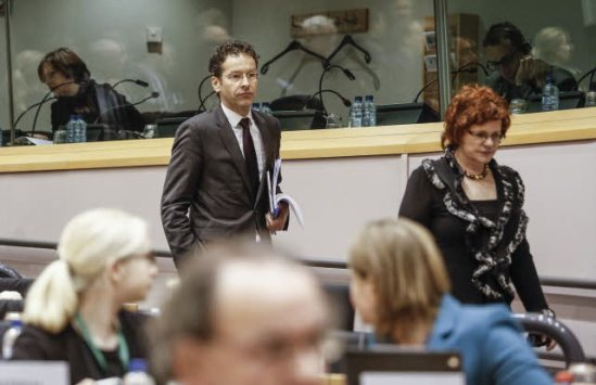 European Parliament ECON Committee chair Sharon Bowles (ALDE, UK) (on the left) and Jeroen Dijsselbloem, President of Eurogroup walking to take sits for the Economic Dialogue and exchange of views. 21.3.2013, (European Parliament photographic library).