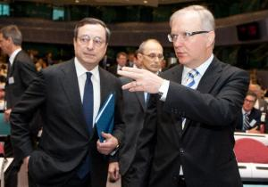 Mario Draghi, Governor of ECB and Chairman of the Financial Stability Board, on the left, and Olli Rehn, Member of the EC in charge of Economic and Monetary Affairs, at the conference to strengthen the foundations of integrated and stable financial markets, organised jointly by the EC and ECB. (EC Audiovisual Services).