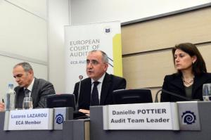 """François Osete, Lazaros S. Lazarou and Danielle Pottier (from left to right). Press conference by Lazaros S  Lazarou, Member of the European Court of Auditors on """"Are tools in place to monitor the effectiveness of European Social Fund (ESF) spending on older workers?"""". (EC Audiovisual Services, 05/03/2013)."""