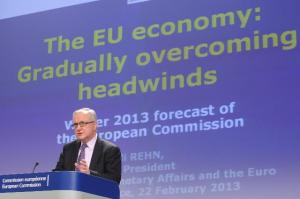 Press conference by Olli Rehn, Vice-President of the EC, on the winter economic forecasts for 2013-2014. (EC Audiovisual Services).