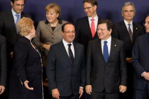 From left to right, in the 1st row: Dalia Grybauskaitė, President of Lithuania, François Hollande, President of France, José Manuel Barroso President of EC and Antonis Samaras, Greek Prime Minister. In the 2nd row: Pedro Passos Coelho, Portuguese Prime Minister, Angela Merkel, German Chancellor, Jyrki Katainen, Finnish Prime Minister, and Werner Faymann, Austrian Federal Chancellor. (EC Audiovisual Service).