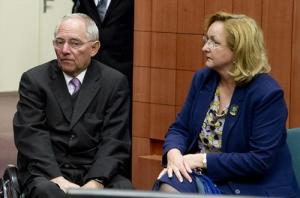From left to right: Wolfgang Schauble, German Federal Minister for Finance; Maria Fekter, Austrian Federal Minister for Finance, 24/03/2013. (Council of the European Union photographic library).