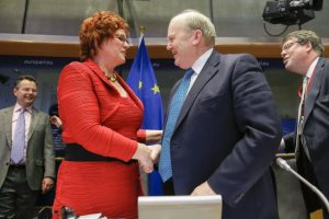 Sharon Bowles, (ALDE, UK), President of the EU Parliament Committee of Economic and Monetary Affairs (on the left) during Economic Dialogue and exchange of views with Minister for Finance of Ireland Michael Noonan. (European Parliament photographic library).