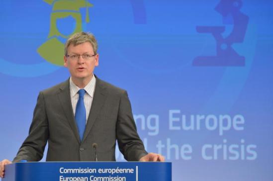 László Andor, Member of the EC in charge of Employment, Social Affairs and Inclusion in the podium. The European Commission organised yesterday in Brussels a Joint press conference on the 2013 country-specific recommendations. José Manuel Barroso urged member states to move quicker and to be bolder on structural reforms that could deliver growth and jobs. (EC Audiovisual Services, 29/5/2013).
