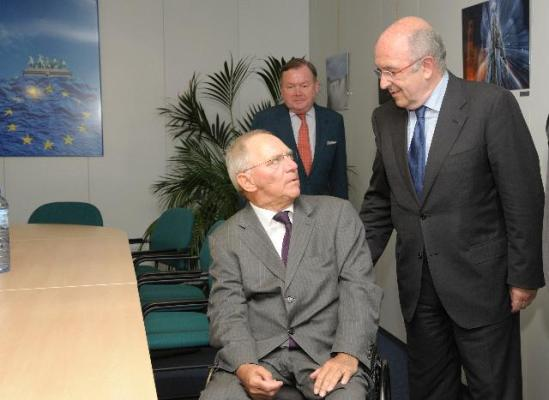 Visit of Wolfgang Schäuble, German Federal Minister for Finance, to the European Commission in Brussels. Discussion between Schäuble, on the left, and Joaquín Almunia Vice-President of the EC in charge of Competition. The German minister has a cold look when in Brussels. (EC Audiovisual Services).