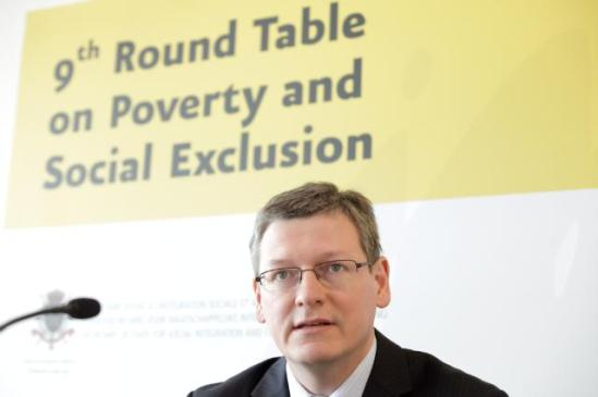 Participation of László Andor, Member of the European Commission, at the Ninth Round Table on Poverty and Social Exclusion, (EC Audiovisula Services).