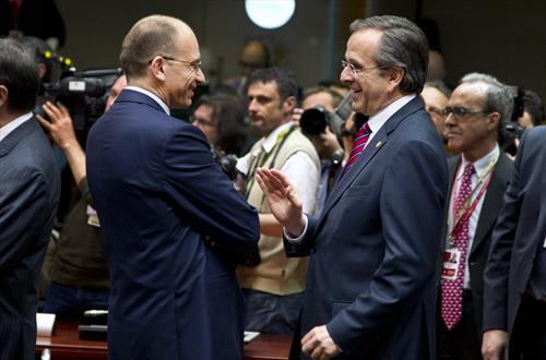 European Council Meeting, 22/05/2013. Enrico Letta, Italian Prime Minister, Antonis Samaras, Greek Prime Minister (from left to right). (Council of the European Union photographic library).