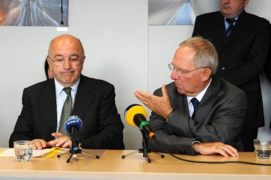 Joaquín Almunia, Vice-President of the European Commission in charge of Competition, received Wolfgang Schäuble, German Federal Minister for Finance. The host is obviously bewildered with what he hears from his German visitor. (EC Audiovisual Services).
