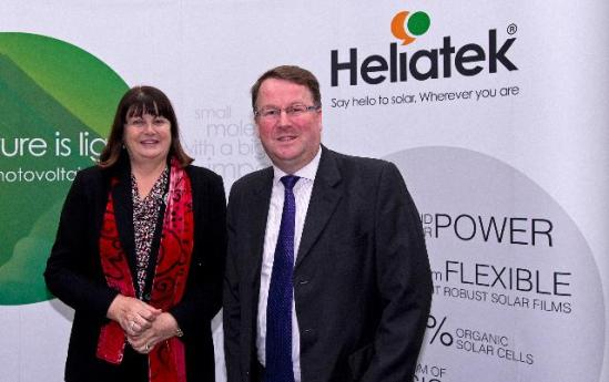 Máire Geoghegan-Quinn, Member of the EC in charge of Research, Innovation and Science, travelled to Germany, where she visited Heliatek, a company specialised in the manufacture of solar panels. The visit of the Commissioner probably reveals that this firm receives EU subsidies. (EC Audiovisual Services).
