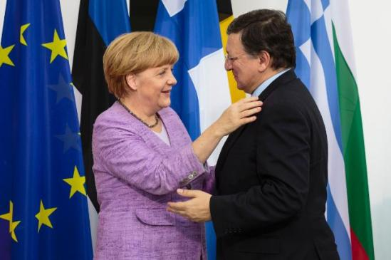 José Manuel Barroso, President of the European Commission (on the right), went to Berlin, where he met with Angela Merkel, German Federal Chancellor. (EC Audiovisual Services, 03/07/2013).