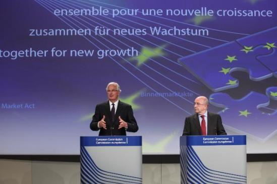 """Joaquín Almunia, Vice-President of the European Commission in charge of Competition, and Michel Barnier, Member of the EC in charge of Internal Market and Services, gave a press conference on the new rules on Payment Services for the benefit of consumers and retailers. In order to adapt EU payments market to the opportunities of the single market and to support the growth of the EU economy, the European Commission adopted a package including: a new payment Services Directive (""""PSD2"""") and a proposal for regulation on interchange fees for card-based payment transactions. (EC Audiovisual Services 24/7/2013)."""