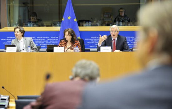 ECON Committee meeting discussion with Commissioner Michel Barnier in charge of Internal Market and Services (on the right) on bank reform. In the Chair, Arlene McCarthy (S&D, UK) (in the middle), (European Parliament Audiovisual Services, 16/09/2013).