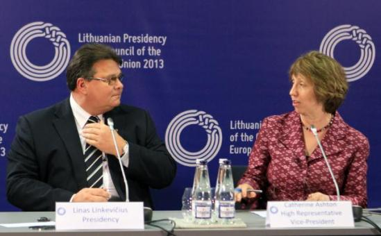 Catherine Ashton, High Representative of the Union for Foreign Affairs and Security Policy and Vice-President of the EC, went to the capital of Lithuania Vilnius, where she participated in the informal meeting of EU Ministers for Foreign Affairs with Linas Antanas Linkevičius, Lithuanian Minister for Foreign Affairs. In the press conference after the meeting Ashton took her distances from the Lithuanian Minister as in the photograph. (EC Audiovisual Services, 07/09/2013).