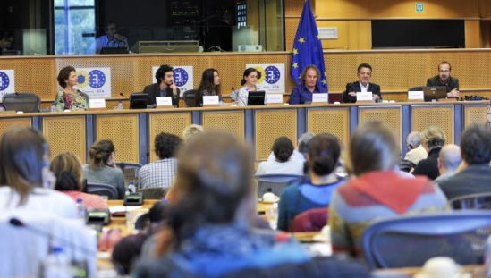 European Parliament meeting: Feeding Europe in times of crisis. (EP Audiovisual Services, 17/10/2013).