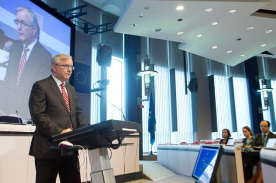 Olli Rehn, Vice-President of the European Commission in charge of Economic and Monetary Affairs and the Euro, participated in the EC/European Central bank (ECB) joint conference on Financial Integration and Stability. (EC Audiovisual Services).