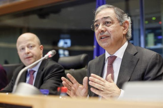 European Parliament. The annual report of the European Court of Auditors presented in the Committee on Budgetary Control-CONT. On the right, Vitor Manuel Da Silva Caldeira, president of the Court, and Michael Theurer, Chair Group of the Alliance of Liberals and Democrats for Europe (EP Audiovisual Services).