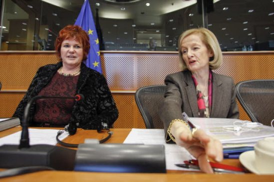 European Parliament. Committee on Economic and Monetary Affairs (ECON). Hearing with Danièle Nouy, Candidate for the Chair of the ECB supervisory board (on the left), pictured here with Sharon Bowles (ALDE, UK), ECON Chair. (EP Audiovisual Services, 28/11/2013).