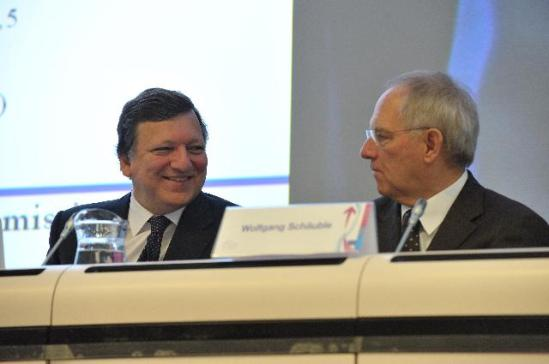 Wolfgang Schäuble, German Minister of Finance on the right, and José Manuel Barroso European Commission President, participating in the Brussels Economic Forum. (EC Audiovisual Services).