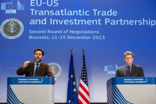 G. Bercero (on the left) and Dan Mullaney held a joint Press conference last Friday 15 November. (EC Audiovisual Services).