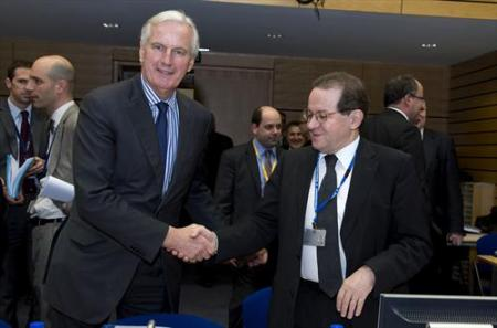 ECOFIN Council. Michel Barnier, Member of the European Commission, Vitor Constancio, Vice-President of the European Central Bank, (from left to right). The central banker may look timid before the French showman but he clarified that the ECB needs clear-cut procedures. (Council of the European Union, 18/12/2013).