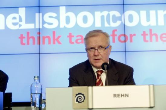 """Olli Rehn, Vice-President of the European Commission in charge of Economic and Monetary Affairs and the Euro, participated in the 2013 Euro Summit. The Vice-President made a speech entitled """"Consolidating the return to growth"""" on this occasion. (EC Audiovisual Services, 03/12/2013)."""