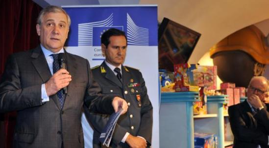 """Antonio Tajani, Vice-President of the EC in charge of Industry and Entrepreneurship (first from left), went to Rome, in the toy shop """"Little Big Town"""" in Piazza Venezia, to present the """"EU Stop Fakes"""" campaign in the presence of Ivano Maccani, Provincial Commander of the Guardia di Finanza (Italian Finance Guard) (second from left). (EC Audiovisual Services, 20/12/2013)."""