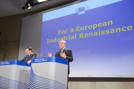 """José Manuel Barroso, President of the European Commission, and Antonio Tajani, Vice-President of the EC in charge of Industry and Entrepreneurship, gave a joint press conference on the adoption of a Communication """"For a European Industrial Renaissance"""". (EC Audiovisual Services, 22/01/2014)."""