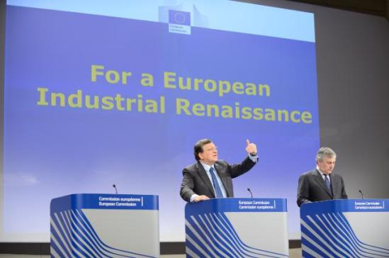 """José Manuel Barroso, President of the EC (on the left), and Antonio Tajani, Vice-President of the EC in charge of Industry and Entrepreneurship, gave a joint press conference on the adoption of a Communication """"For a European Industrial Renaissance"""". The EC was urging Member States to recognise the central importance of industry for creating jobs and growth and to mainstream industry-related competitiveness concerns across all policy areas. (EC Audiovisual Services, 22/01/2014)."""