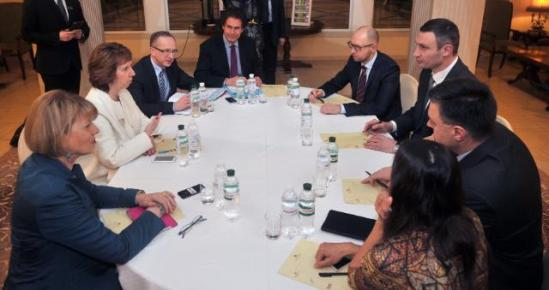 """Catherine Ashton, High Representative of the Union for Foreign Affairs and Security Policy and Vice-President of the European Commission, went to Kiev where she met with representatives of the Ukrainian opposition: Arseniy Yatsenyuk, Member of the Ukrainian Parliament and Leader of the """"Fatherland"""" Party, Vitaliy Klitschko, Member of the Ukrainian Parliament and Leader of the Ukrainian Democratic Alliance for Reform Party, and Oleh Tyahnybok, Member of the Ukrainian Parliament and Leader of the All-Ukrainian Union """"Svoboda"""" Party. The Vice-President then met with Viktor Yanukovych, President of Ukraine. (Round table in an anti-clockwise direction, starting from six o'cklock: Tyahnybok, 2nd, Klitschko, 3rd, Yatsenyuk, 4th, Tombiński, Head of the EU Delegation in Ukraine, 6th, Ashton, 7th, and Helga Maria Schmid, Deputy Secretary General of the European External Action Service –EEAS, 8th). (EC Audiovisual Services)."""