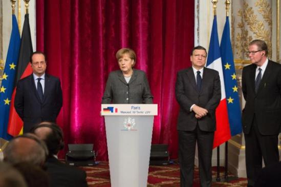 José Manuel Barroso, President of the European Commission (second from left), went to Paris, where he took part in a discussion on European competitiveness with Members of the European Roundtable of Industrialists (ERT), Angela Merkel, German Federal Chancellor (at the podium), François Hollande, President of the French Republic and Leif Johansson, Chairman of the ERT (first from left). The integrity of the euro area had been preserved, the recovery was there, but the economic crisis is not over. Unemployment rates were still quite high.