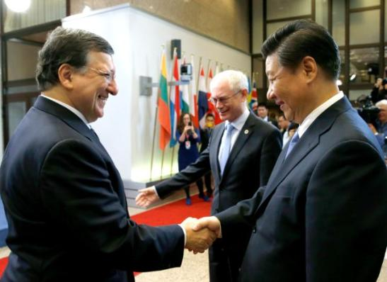 José Manuel Barroso, President of the European Commission, and several Members of the College received Xi Jinping, President of the People's Republic of China (on the right). It was the first official visit to the European Union by the latter but also the first visit ever by a Chinese President to EU institutions. Handshake between Xi Jinping and José Manuel Barroso, in the presence of Herman van Rompuy President of the Council (in the centre). (EC Audiovisual Servises, 31/03/2014).
