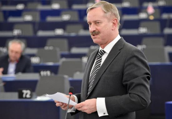 European Commission vice President Siim Kallas, speaking at the not so plenary session of the European Parliament. (EP Audiovisual Services).