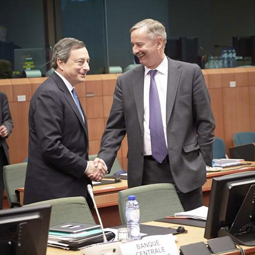"Mario Draghi, President of the European Central Bank, Siim Kallas Vice President of the European Commission (from left to right). Kallas acts as interim Commissioner responsible for Economic Affairs and the euro. (Photographic Library of ""The Council of the European Union"", 05/05/2014)."