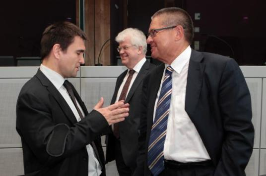 Pavlo Klimkin, Ukrainian Minister for Foreign Affairs, Vladimir Chizhov, Head of the Mission of Russia to the EU, and Alexey Ulyukaev, Russian Minister for Economic Development (from left to right), gathered in Brussels to discuss Russia's objections over the implementation of the EU/Ukraine Association Agreement. The results of the conference were very poor. (EC Audiovisual Services, 11/07/2014).