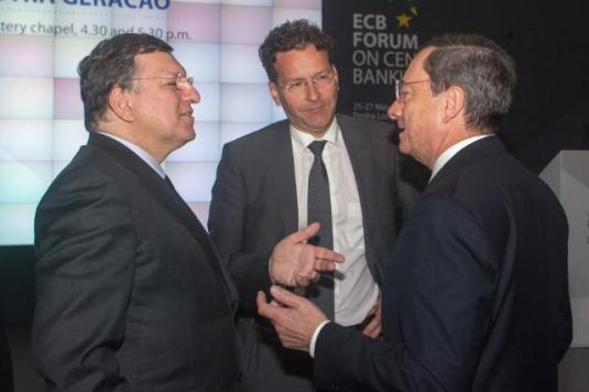 European Central Bank (ECB) Forum on Central Banking in Sintra, Portugal. Discussion between Mario Draghi, President of ECB, on the right, and José Manuel Barroso, President of EU Commission on the left, in the presence of Jeroen Dijsselbloem, President of Eurogroup. (EC Audiovisual Services, 26/05/2014).
