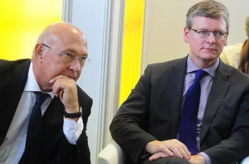 László Andor, Commissioner for Employment and Social Affairs, and Michel Sapin, French Finance Minister at the European Job Days Paris 2013 (EC Audiovisual Services, 3/10/2013)