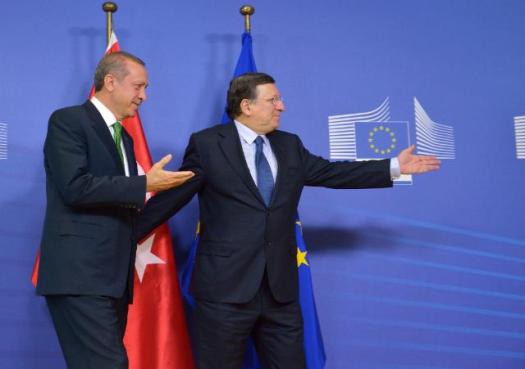Visit of Recep Tayyip Erdoğan, Turkish Prime Minister, to the European Commission last January. It seems that both Barroso and Erdogan are pointing to the same direction. The question though is whether Turkey can follow. Recep Tayyip Erdoğan, President of Turkey, on the left, and José Manuel Barroso, President of EC (EC Audiovisual Services, 21/02/2014)