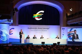 """On 1 January 2015 Lithuania will become the 19th member state of the euro area, further deepening economic and financial integration with European countries. To mark this occasion as well as to discuss euro area enlargement and policy reforms that are aimed at strengthening the functioning of the single market and the EMU, the Bank of Lithuania together with the European Central Bank, the European Commission and the Ministry of Finance of the Republic of Lithuania is organizing a euro changeover conference """"Single Market, Single Currency, Common Future"""". Speakers at this conference included Jyrki Katainen (at the rostrum), Vice-President of the European Commission in charge of Economic and Monetary Affairs and the Euro, Mario Draghi, President of the ECB, (second from right), Algirdas Butkevičius, Lithuanian Prime Minister, (second from left), Vitas Vasiliauskas, Chairman of the Board of the Bank of Lithuania, (first from left) and Rimantas Šadzius, Lithuanian Minister for Finance (first from right). (EC Audiovisual Services 25/09/2014)."""