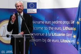 Peter Praet, Member of the Executive Board of the European Central Bank (ECB) in the festivities to celebrate the enlargement of the euro area to include Lithuania (EC Audiovisual Services, 23/07/2014)