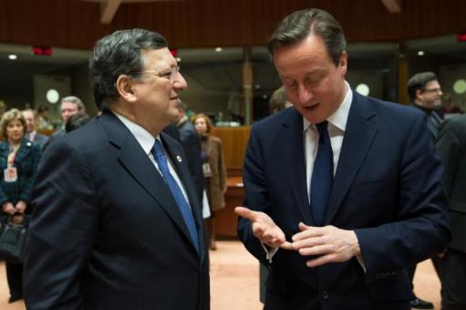 David Cameron is counting to Manuel Barroso the reasons why the EU immigrants should be stopped from entering the UK but Ed Miliband from the UK labour party can count more. Photo taken during discussions between David Cameron, British Prime Minister, and José Manuel Barroso during a on a Ukranian crisis meeting  between Heads of EU State at the EU Council, earlier this year. (EC Audiovisual Services, 6/03/2014)