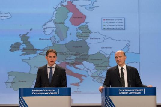 Jyrki Katainen, Vice-President of the European Commission in charge of Jobs, Growth, Investment and Competitiveness, (on the left) and Pierre Moscovici, Member of the EC in charge of Economic and Financial Affairs, Taxation and Customs, gave a joint press conference on the autumn economic forecasts for 2014-2016. A weak economic growth for the rest of the year 2014 in both the EU and the euro area was expected. Real GDP growth was expected to reach 1.3% in the EU and 0.8% in the euro area for 2014 as a whole. (EC Audiovisual Services, 04/11/2014).