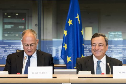 European Parliament. 8th Parliamentary term in Brussels. Committee on Economic and Monetary Affairs meeting. Roberto Gualtieri, in the Chair (on the left). Monetary Dialogue with European Central Bank President Mario Draghi. (European Parliament Audiovisual Services, 22/09/2014).