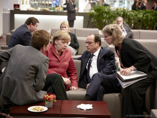 European Council of 23-24.10.2014 in Brussels. Angela Merkel, German Federal Chancellor, Francois Hollande, President of France. This is how the European Council decides. Chancellor Merkel speaks and French President Hollande listens. (EU Council Photographic Library).