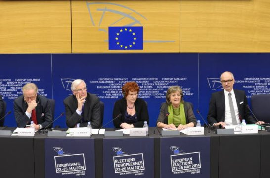 Strasbourg, 15/04/2014. European Parliament, 7th Parliamentary Term. Press conference on Banking Union. Michel Barnier, ex-Commissioner responsible for the internal market (second from left), Sharon Bowles, then Chair of ECON Committee (ALDE, UK) (in the middle) and three members of the previous Parliament associated with the inter-institutional agreement for the creation of the European Banking Union, Elisa Ferreira (S&D, PT) (second from right), Gunnar Hokmark, (EPP, SE) (first from right) and Peter Simon (S&D, DE).