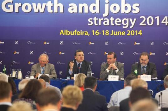 "European Union's ""Growth and jobs strategy 2014"", proved a total failure. The people responsible for that are here in session. Wolfgang Schäuble, German Federal Minister for Finance, José Manuel Barroso, ex-President of the European Commission, Manfred Weber, Member of the European Parliament and Vice-Chairman of the EPP Group and Martin Kamp, Secretary-General of the EPP Group (from left to right)."